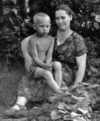 PUTIN WITH HIS MAMA
